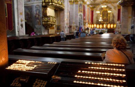 Cerkev pričakuje, da zanje omejitev zbiranja ne bo veljala