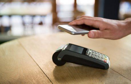 Slovenske banke uvajajo nov način plačevanja s pametnim telefonom