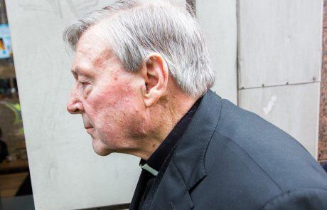 Preiskava pokazala, da je kardinal Pell vedel za pedofilijo med duhovniki, a ni ukrepal