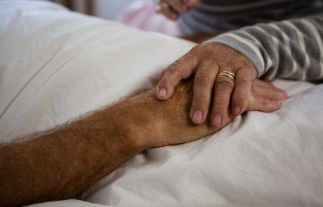 Z današnjim dnem zopet mogoči obiski v domovih za starejše
