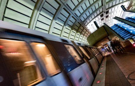 V ZDA vlak z republikanci trčil v tovornjak, najmanj en mrtev