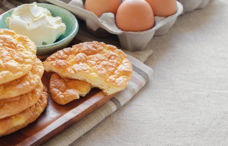 'Cloud bread' obnorel svet: je odličen nadomestek za kruh, za pripravo pa potrebujete le tri sestavine