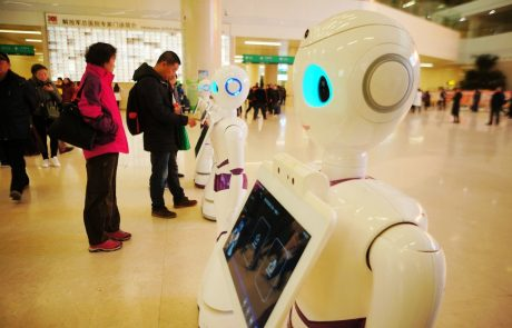 Slovenjgraška bolnišnica razmišlja o uvedbi robotov