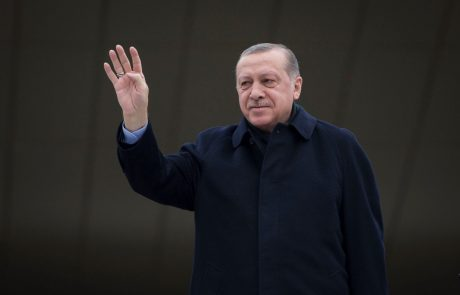Kljub sankcijam ZDA Erdogan vztraja pri ofenzivi v Siriji