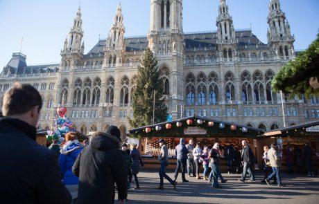 Dunajski javni promet pozval potnike, naj odstopijo sedeže jokajočim oboževalcem šlagerske pevke