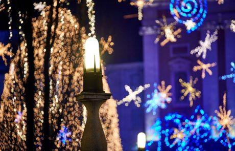 Številni bodo v novo leto vstopili na množičnih silvestrovanjih na prostem