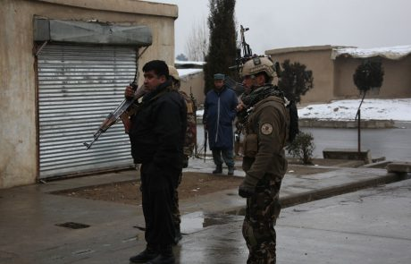 Na volilni dan v Afganistanu ubita najmanj dva človeka, 17 ljudi je ranjenih