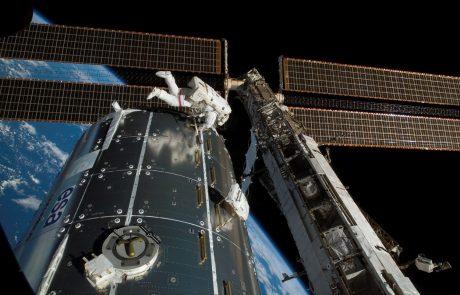 Na Zemljo so se uspešno vrnili dva astronavta in kozmonavt
