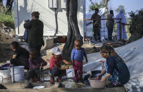 V največjem migrantskem centru v Grčiji, kjer biva okoli 12.700 ljudi, kar za več kot štirikrat presega dejanske kapacitete, prvi primer koronavirusa