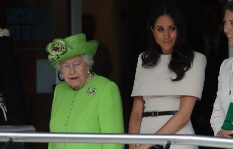 """Kraljica Elizabeta je Meghan sporočila: """"Nisi del družine"""""""