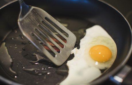 Razkrivamo skrivnost, kako pripraviti izvrstno jajce na oko