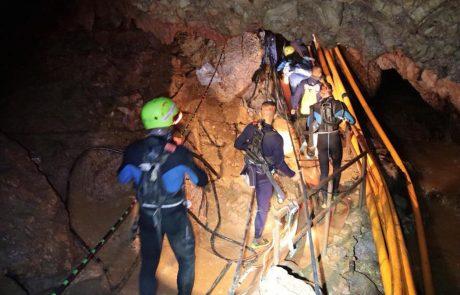 Tajski dečki po letu dni obiskali jamo, kjer so bili ujeti