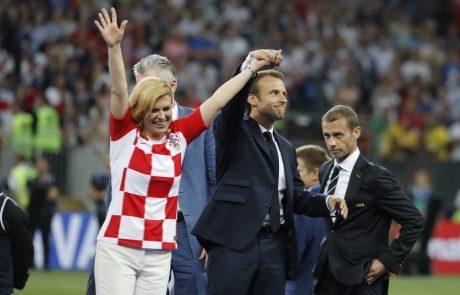"""Svet navdušen nad Kolindo: """"Zmagovalka je hrvaška predsednica. Dres, dež, jok, uničena frizura, a njej je vseeno."""""""