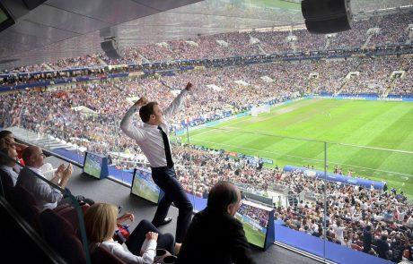 Splet se ne more naveličati posnetkov veselja francoskega predsednika Macrona