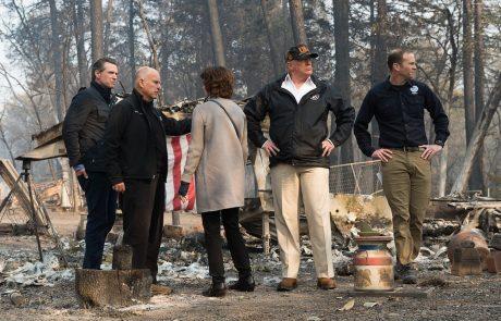 """Trump si je ogledal pogorišča v Kaliforniji: """"Zelo žalostno je videti to."""""""