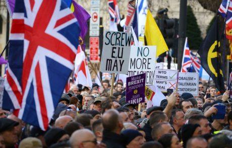 Več kot šest milijonov Britancev podpisalo peticijo proti brexitu