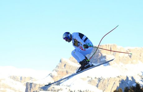 Italijan Dominik Paris je zmagal na drugem smuku za svetovni pokal alpskih smučarjev na sloviti progi Stelvio v dveh dneh