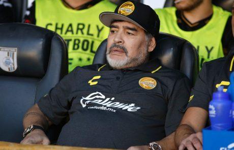 V 61. letu starosti je zaradi srčnega napada umrl nekdanji argentinski nogometaš Diego Maradona