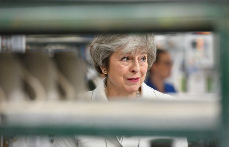 Četrtkove lokalne volitve v Angliji pomemben preizkus za Mayevo in njeno konservativno stranko