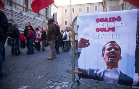 Guaido pozval javne uslužbence k splošni stavki