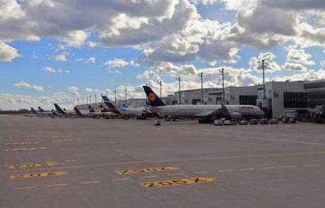 V Avstriji za letalske potnike iz več držav zaostritev pogojev vstopa