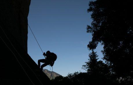 V Nemčiji po močnem deževju v jami ostala ujeta moška