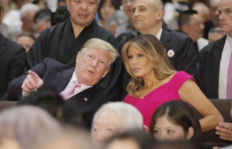 """Melania in Donald Trump na večerji gostom priredila pravi šov: """"Kot živali v živalskem vrtu"""""""