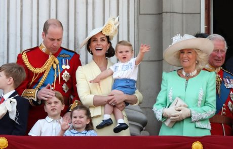 Težave, kot jih pozna vsaka mamica: Kate Middleton skušala sama frizirati malo Charlotte, a stvari niso šle po planu