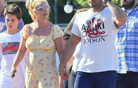 Grozljive podrobnosti iz ozadja življenja pop zvezde: Lastni oče je Britney Spears redno drogiral
