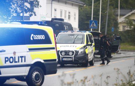 Norveški napadalec ubil žrtve z ostrim predmetom in ne z lokom in puščicami