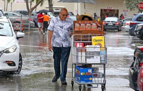 Dorian se je okrepil v orkan četrte stopnje