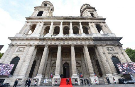 V Parizu so se začele pogrebne slovestnosti: Številni voditelji držav se poslavljajo od Chiraca