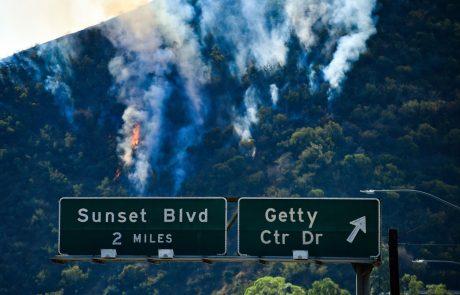 Pred kalifornijskimi požari bežijo tudi bogati in slavni