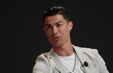 Ronaldo v Dubaju samo na eni roki pokazal nakit v vrednosti 565 tisoč evrov