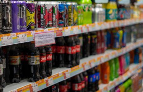 V dveh supermarketih na policah pijača s smrtonosnim strupom