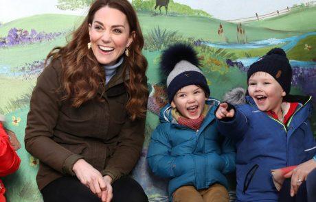 """Kate Middleton odkrito o materinstvu: Dvomljenje v svoje lastne odločitve in svojo lastno presojo, se """"začne tisti trenutek ko dobiš otroka"""""""