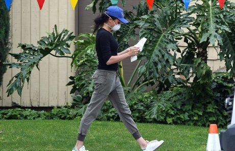 Tudi Meghan v času korone hodi naokrog v trenirki (foto)