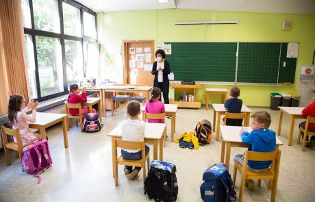 Kustečeva: V ponedeljek se otroci vračajo v vrtce, učenci in dijaki pa v šole