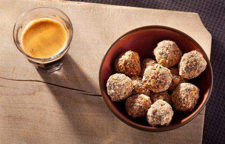 RECEPT: Hitro pripravljene figove kroglice – brez peke