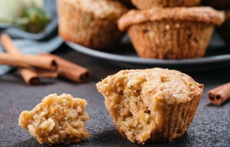 RECEPT: Jabolčni kolački s korenčkom