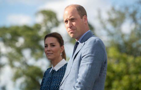 Končal v bolnišnici: Princ William omedlel na Dianinem pokopališču