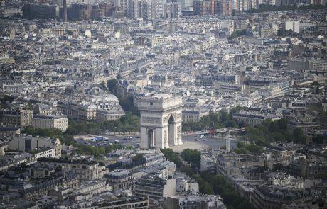 Francozi so se ustrašili: Po Macronovi napovedi zaostritve ukrepov zabeležili 900.000 prijav na cepljenje