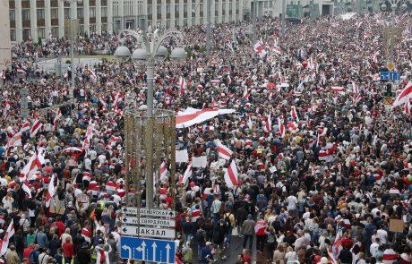 Belorusko prestolnico tudi danes preplavili protestniki z zahtevami po odstopu Lukašenka