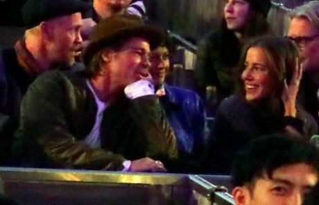 Novo dekle Brada Pitta je besni Angelini Jolie poslala jasen odgovor, ki jo bo verjetno naredil še bolj besno