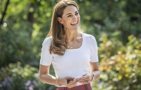 V supergah, beli majici in hlačah za 30 evrov: Kate middleton je videti bolj mladostno in sveže kot kdajkoli prej!