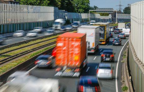 Prihajajo 'evropske vinjete': Začasen dogovor o cestninjenju naj bi zmanjšal izpuste CO2