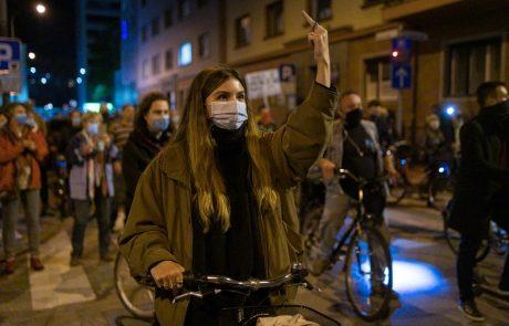 V katerih primerih so po novem maske obvezne tudi na prostem?