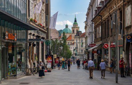 V Sloveniji sicer več moških kot žensk, a so te bolj zdrave in živijo dlje
