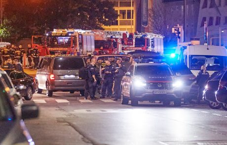 Avstrijska vlada po napadu razglasila tridnevno žalovanje