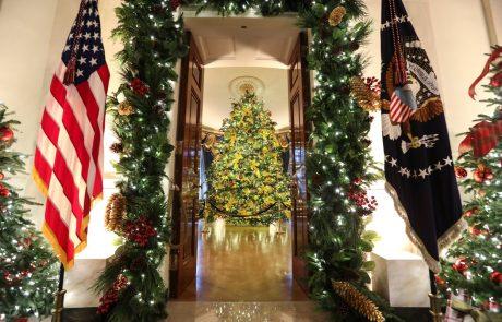 Poglejte, kako je Melania še zadnjič božično okrasila Belo hišo (foto)